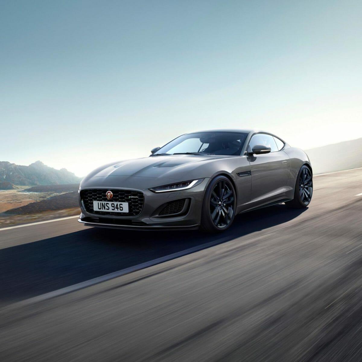 Jaguar F TYPE R Dynamic Black_02