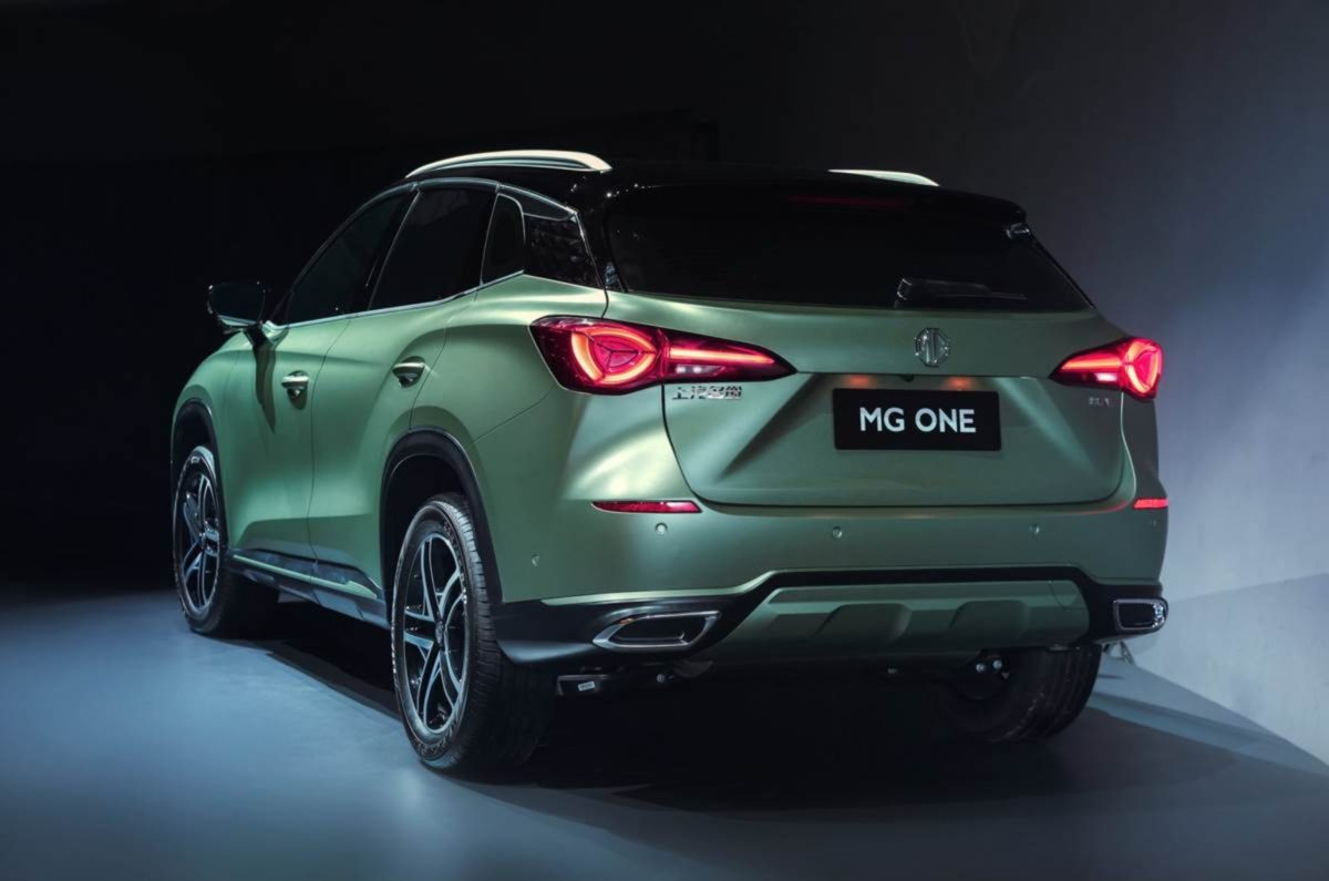 MG one rear (1)