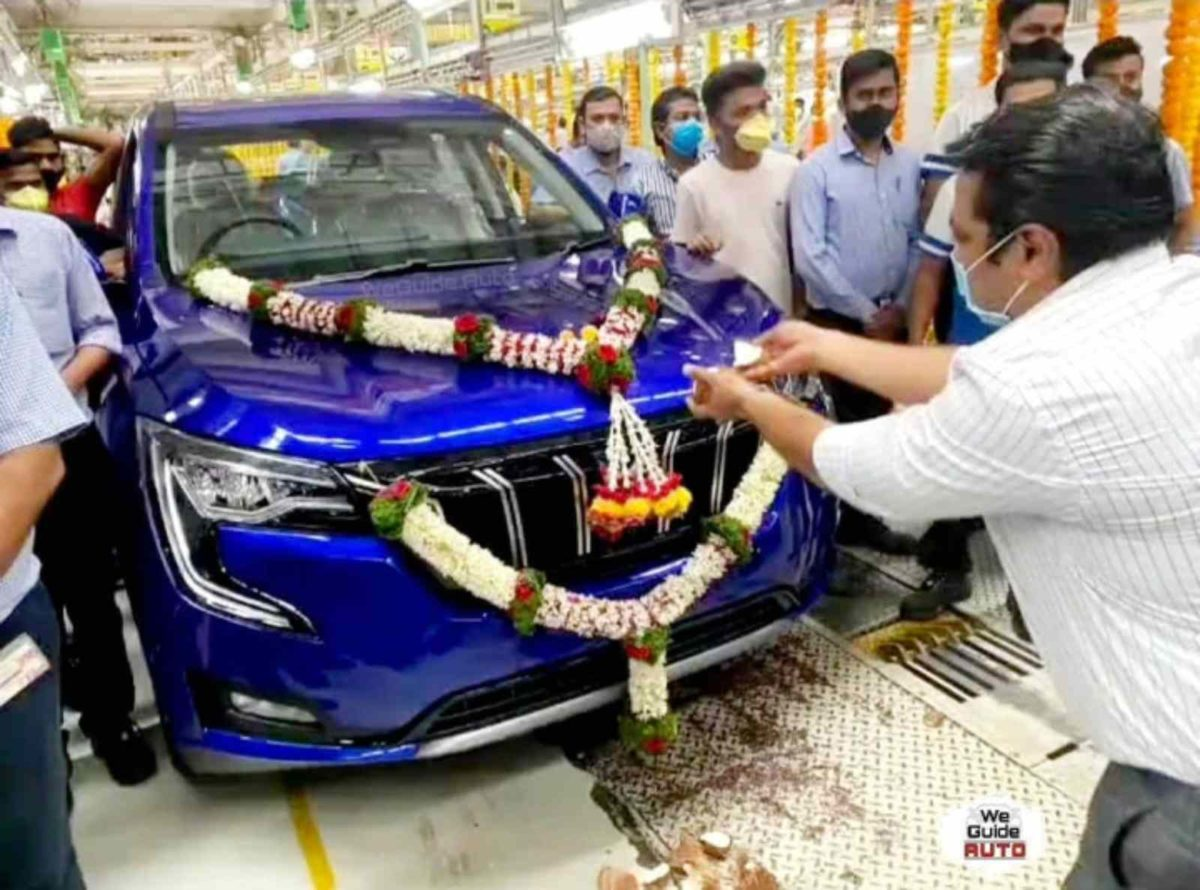 Mahindra XUV700 production