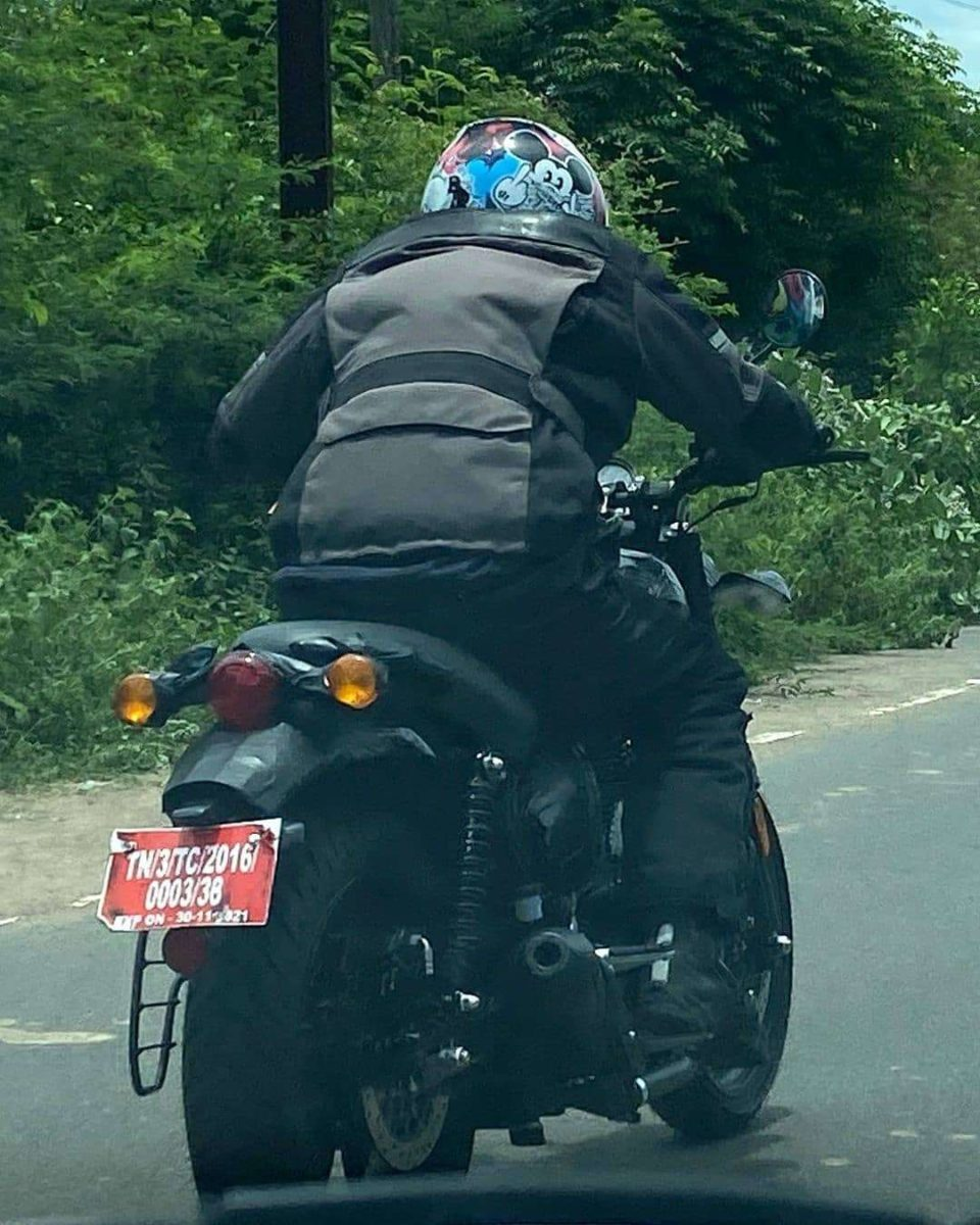 Royal Enfield Hunter 350 spied (1)