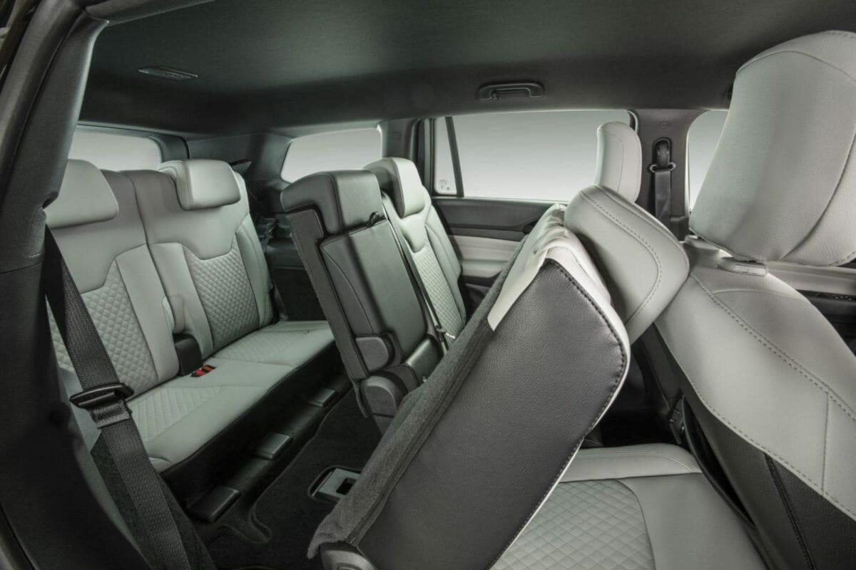 jeep commander revealed in brazil seats (1)