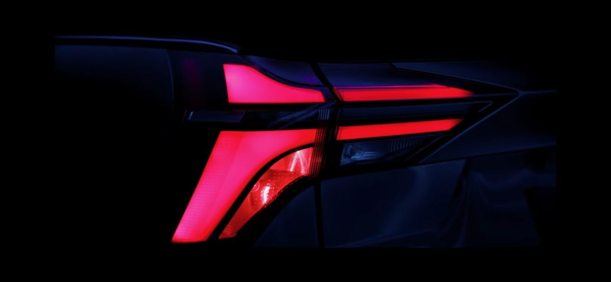xuv700 arrow head taillights