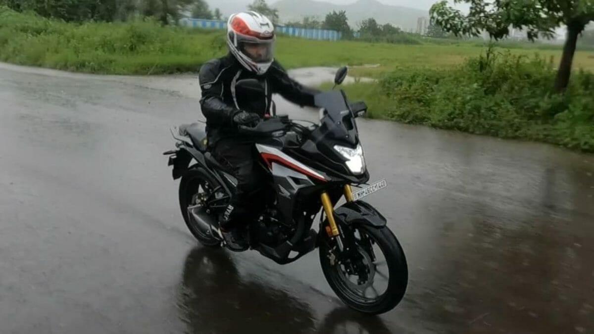 Honda CB200X Review (1)
