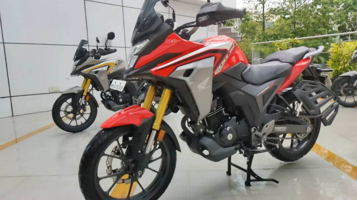 Honda CB200X Review (2)